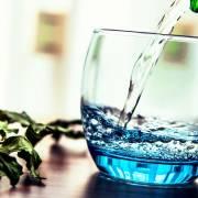 Вредно ли пить минеральную воду с газом?